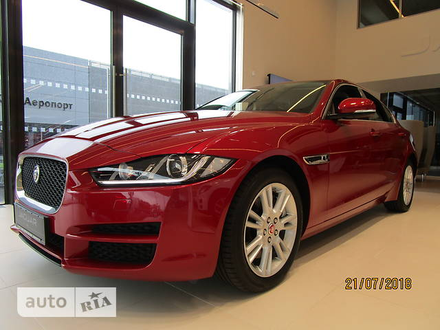 Jaguar XE 2.0 AT (200 л.с.) Prestige