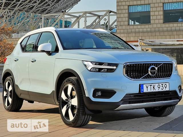 Volvo XC40 D3 2.0 AT (150 л.с.) Momentum