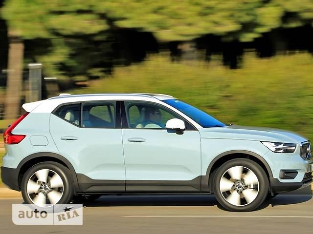 Volvo XC40 D3 2.0 MT (150 л.с.) AWD Momentum
