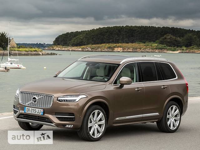 Volvo XC90 T8 2.0 AT (407 л.с.) Hybrid 7s Inscription