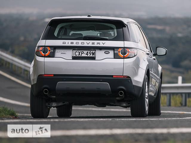 Land Rover Discovery Sport 2.0TD4 АT (240 л.с.) AWD SE