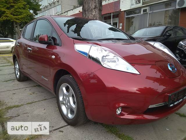 Nissan Leaf AT (109 л.с.) Acenta