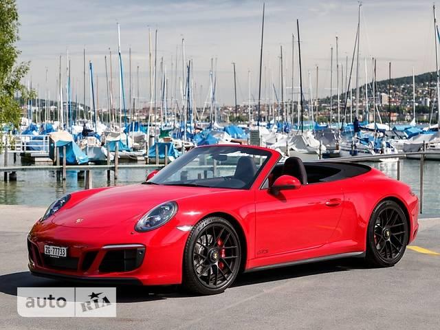 Porsche 911  Carrera 4 GTS 3.0 МТ (450 л.с.)
