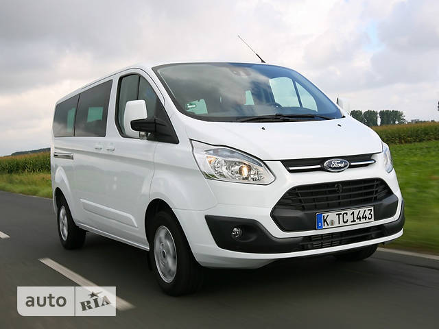 Ford Tourneo Custom 2.2 TDI MT F300 (155 л.с.) L2H1 Titanium