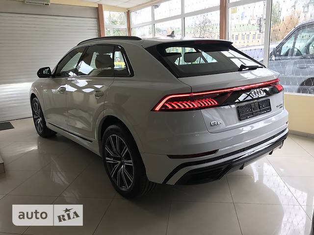 Audi Q8 55 TFSI Tip-tronic (340 л.с.) Quattro S-Line
