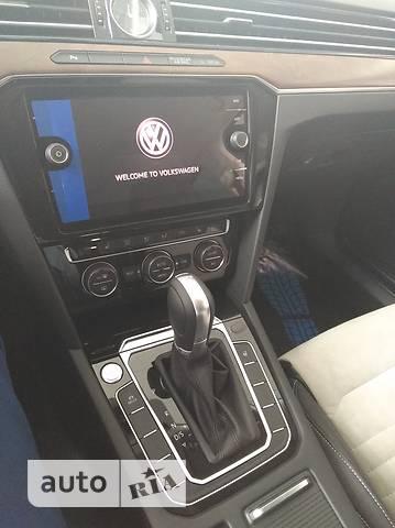 Volkswagen Passat В8 2.0D DSG (150 л.с.) Executive Life