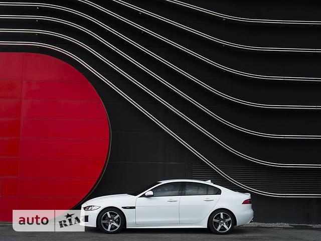 Jaguar XE 2.0D AT (180 л.с.) R-Sport