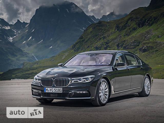 BMW 7 Series G12 L740i AT (326 л.с.) base