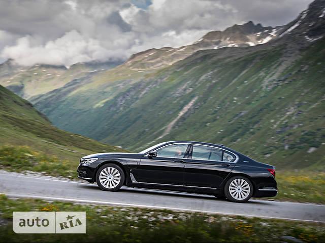 BMW 7 Series G12 730Ld AT (265 л.с.) base