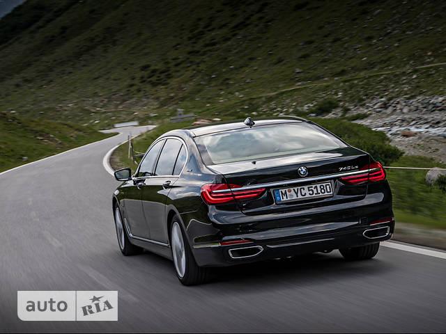BMW 7 Series G12 725Ld (231 л.с.) base