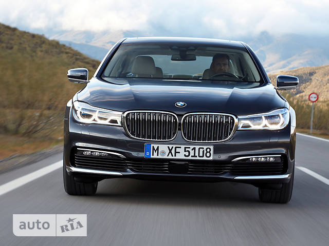 BMW 7 Series G11 730i AT (258 л.с.) base