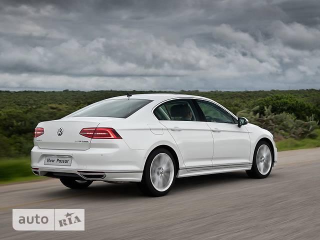 Volkswagen Passat B8 1.8 TSI АТ (180 л.с.) Premium R-Line