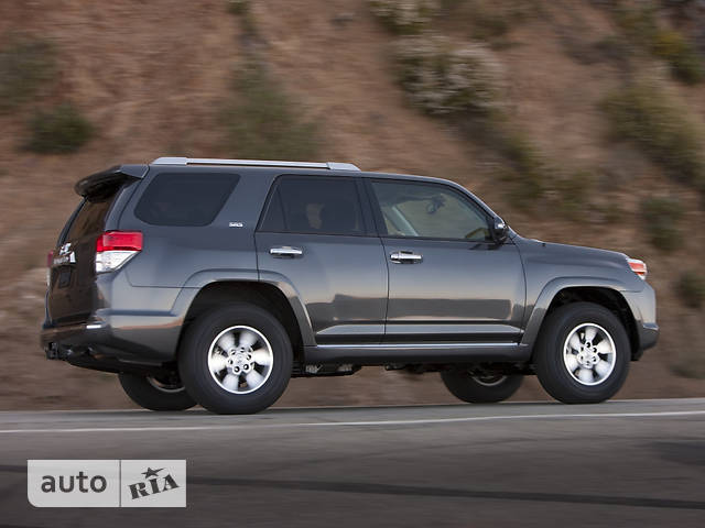 Toyota 4Runner 4.0 AT (270 л.с.) AWD SR5
