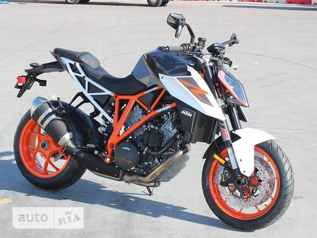 KTM Super Duke 1290 R base