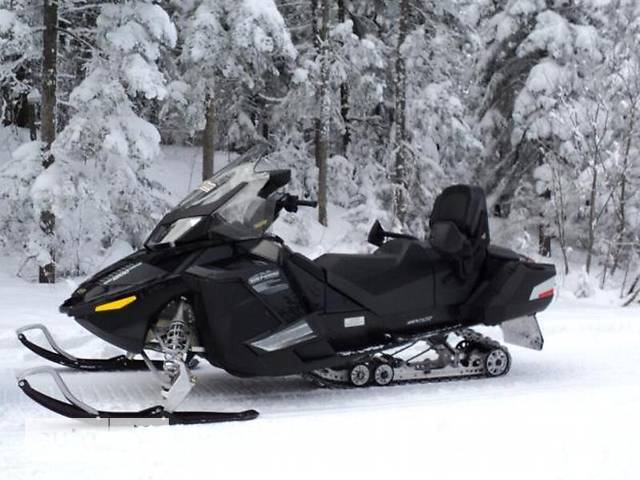 BRP Ski-Doo Grand Touring SE 1200 4-TEC