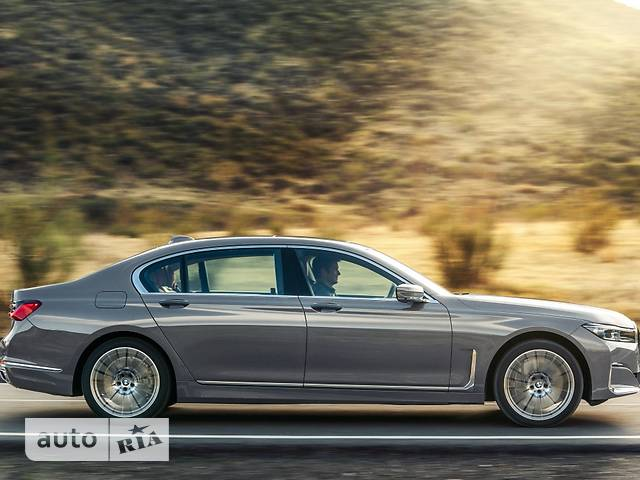 BMW 7 Series 750i Steptronic (530 л.с.) xDrive base