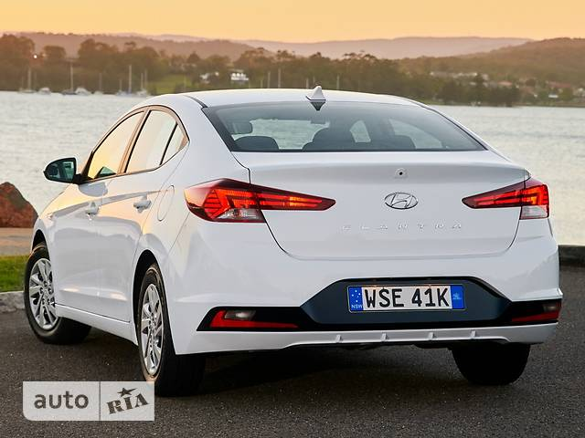 Hyundai Elantra 2.0 MPi AT (152 л.с.) Style Safety