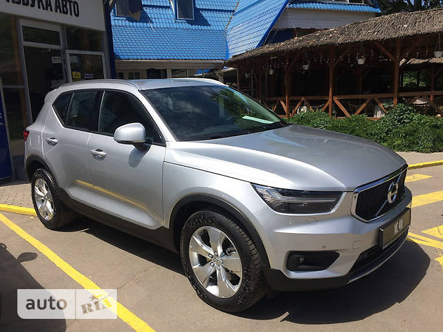 Volvo XC40 D3 2.0 AT (150 л.с.) Entry
