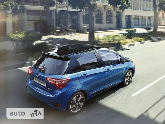 Toyota Yaris 1.5 Dual VVT-iE  CVT (111 л.с.) Live