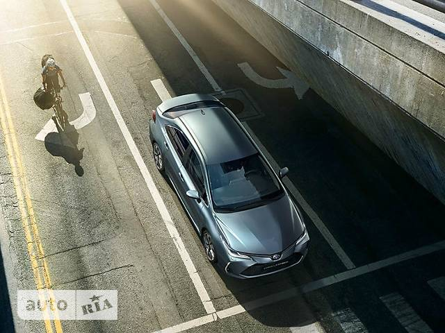 Toyota Corolla 1.8 Hybrid e-CVT (122 л.с.) Style