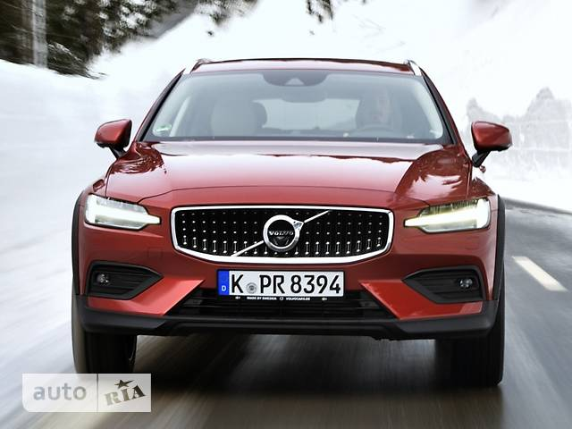 Volvo V60 Cross Country D4 2.0 АT (190 л.с.) АWD Plus