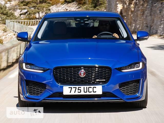 Jaguar XE 2.0i AT (250 л.с.) RWD R-Dynamic SE