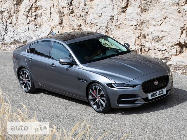 Jaguar XE 2.0D AT (180 л.с.) AWD S