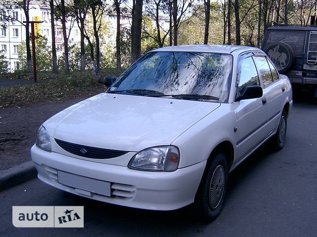 Daihatsu Charade фото 1