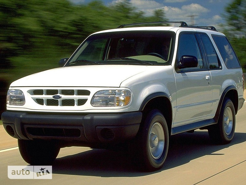 Ford Explorer фото 1