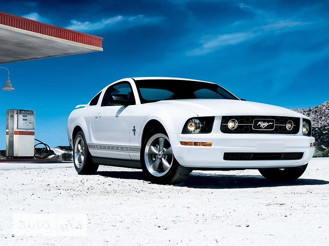 Ford Mustang фото 1