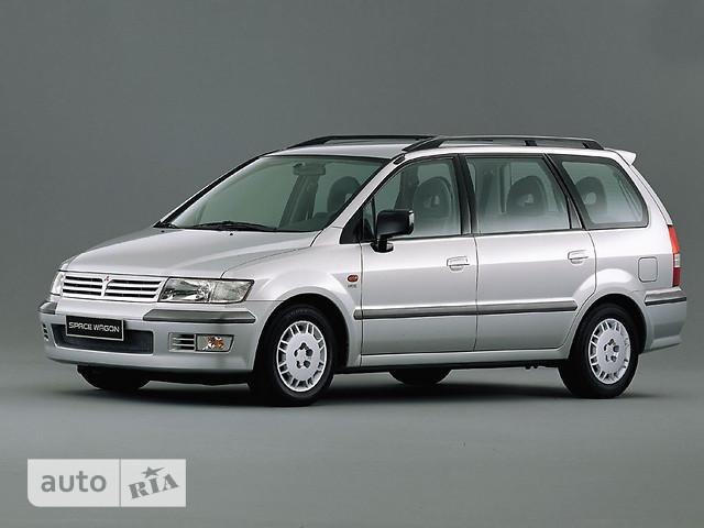 Mitsubishi Space Wagon фото 1