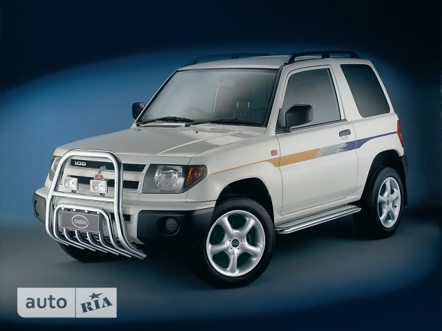 Mitsubishi Pajero фото 1