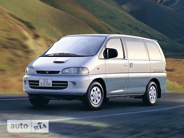 Mitsubishi Space Gear фото 1