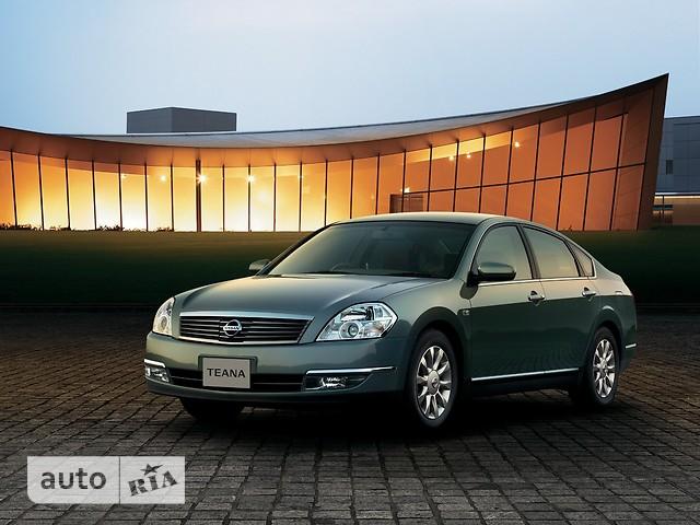 Nissan Teana фото 1