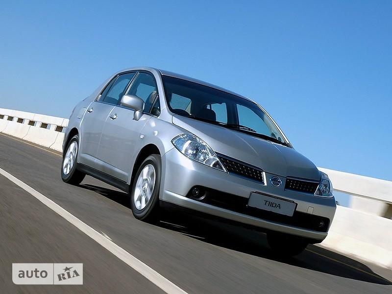 Nissan TIIDA фото 1
