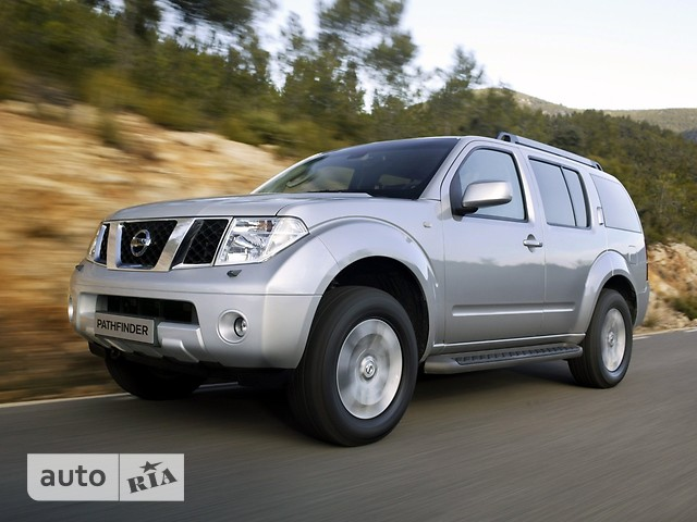 Nissan Pathfinder фото 1