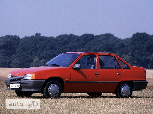 Opel Kadett фото 1