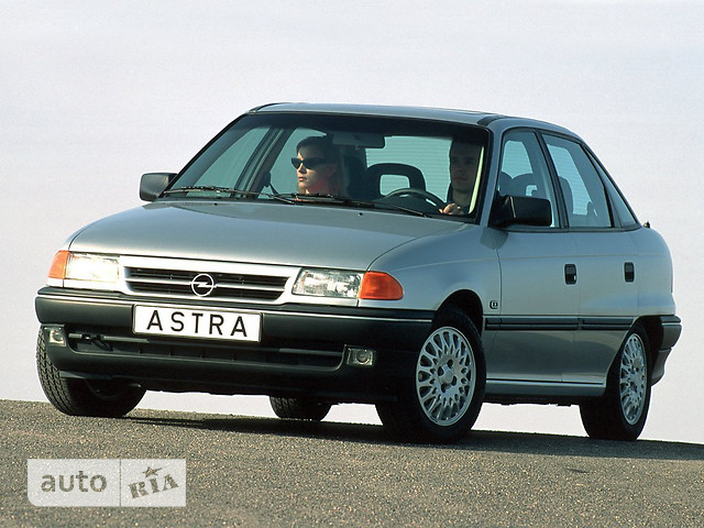 Opel Astra фото 1