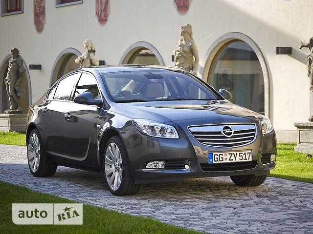 Opel Insignia фото 1