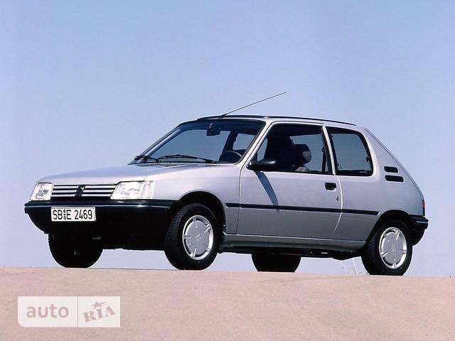 Peugeot 205 фото 1