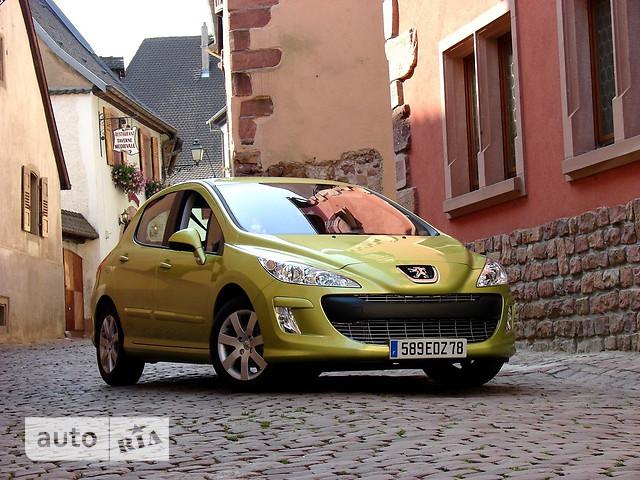 Peugeot 308 фото 1