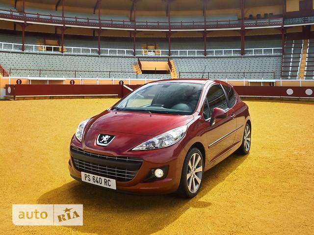 Peugeot 207 фото 1