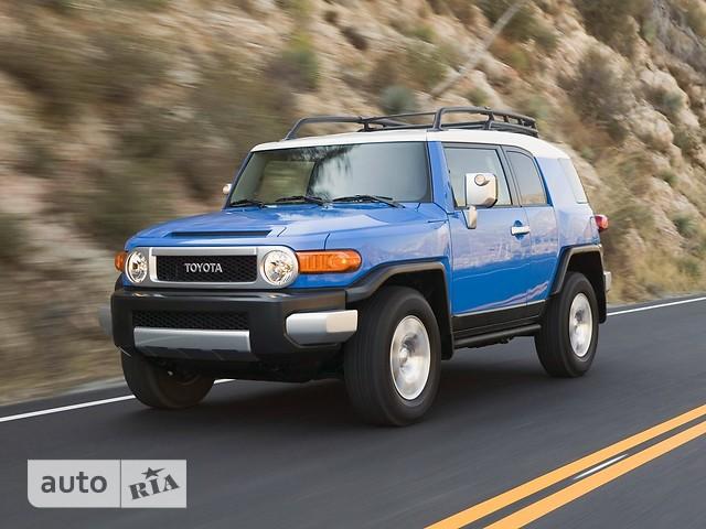 Toyota FJ Cruiser фото 1