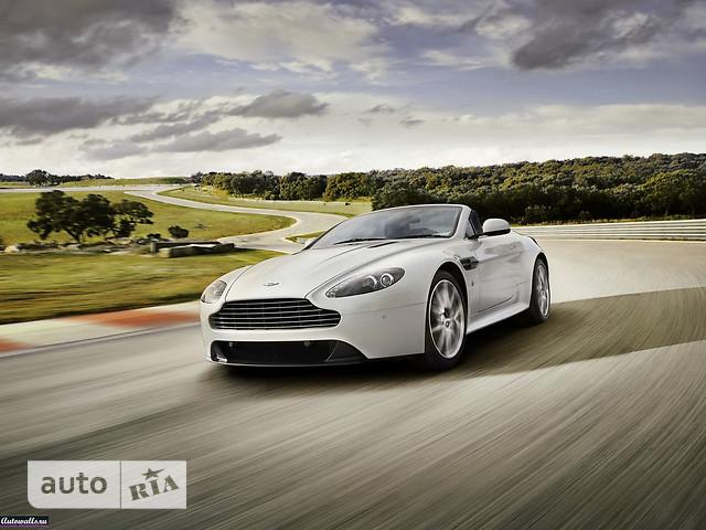 Aston Martin V8 фото 1
