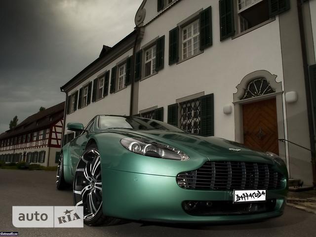 Aston Martin Vantage фото 1