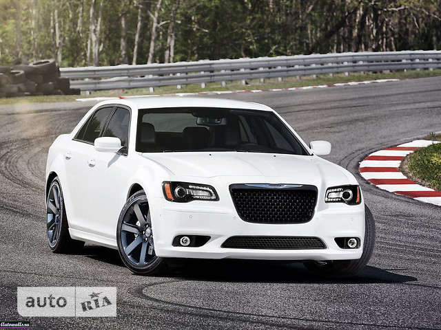 Chrysler 300 фото 1