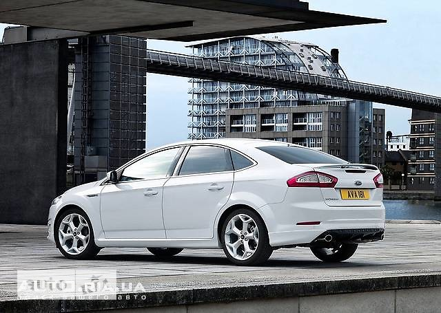 Ford Mondeo Hatchback фото 1