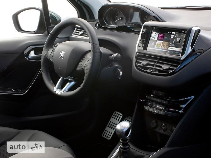 Peugeot 208 Hatchback (5d) фото 1