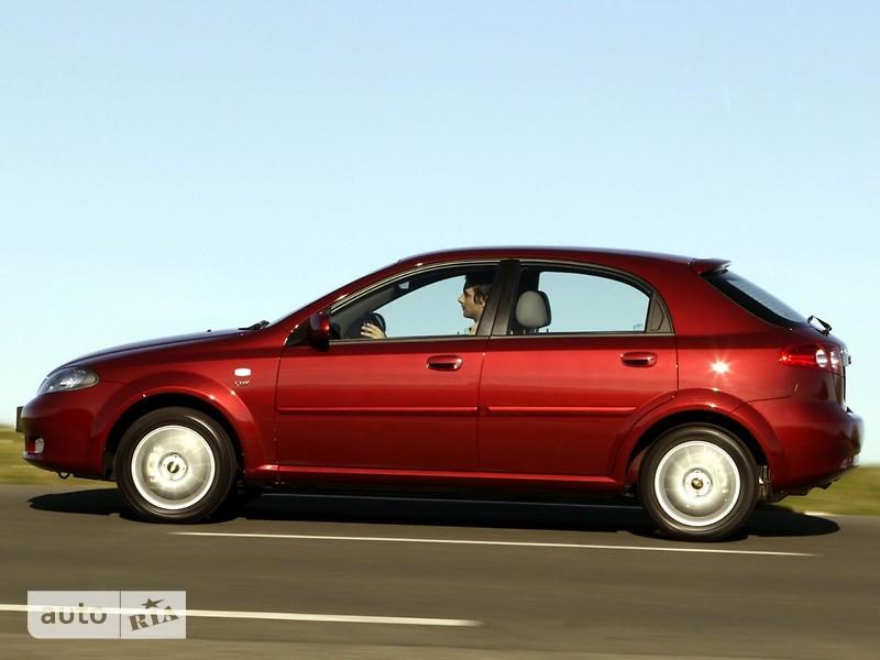 Chevrolet Lacetti Hatchback фото 1