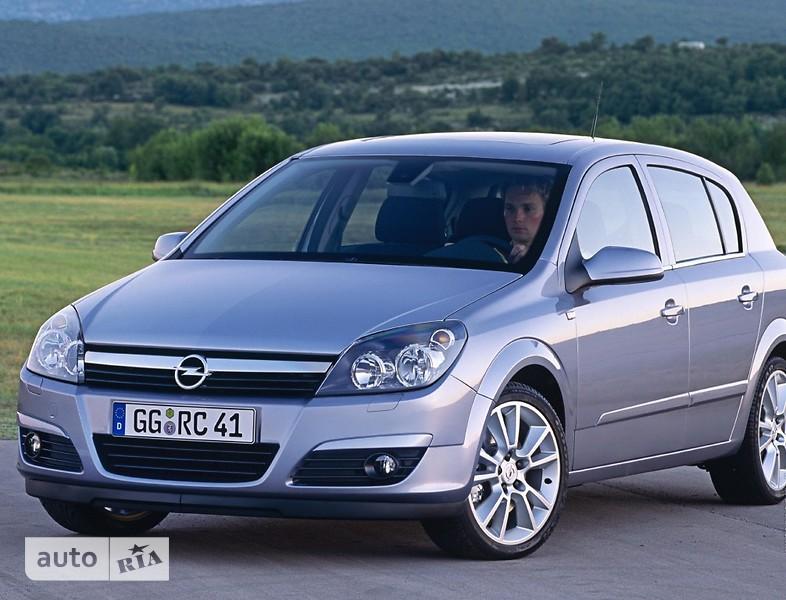 Opel Astra H Hatchback фото 1